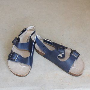 Boys Navy and Brown OLD NAVY sandals NWT Size 11